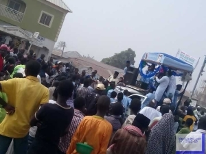 Eid El Malud: Celebrants Block Federal Road In Gombe State (Photos)